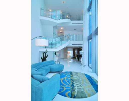 3-story penthouse