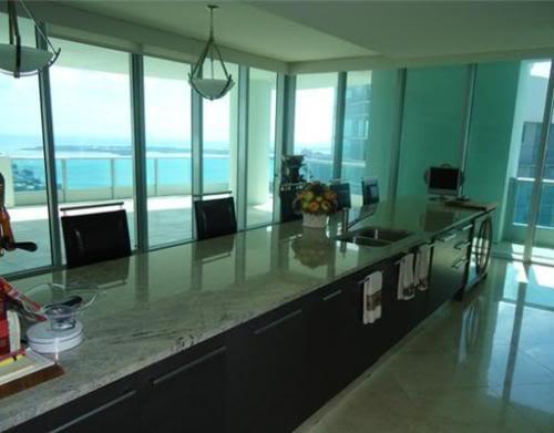 900 Biscayne Bay kitchen counter