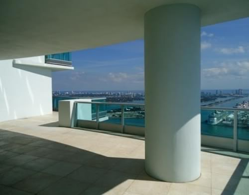 900 Biscayne Bay penthouse terrace