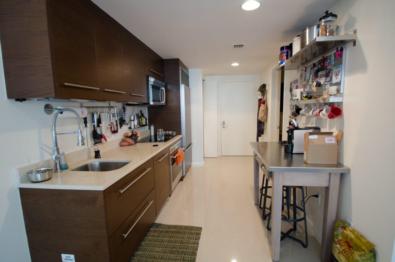 Icon Brickell 4206 kitchen