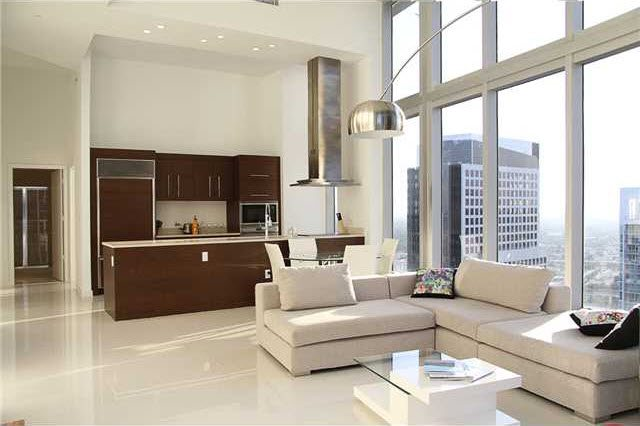Icon Brickell 4110 high ceilings