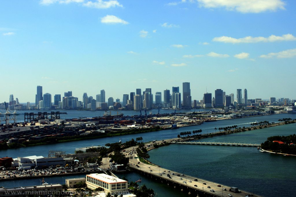 View of Downtown Miami from Murano Grande 3201