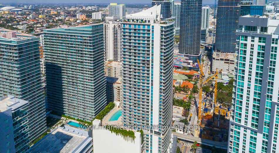 aerial photo of 1100 Millecento condominiums
