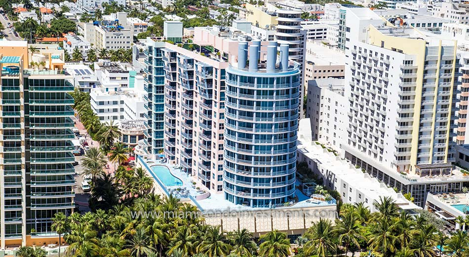 exterior view of 1500 Ocean Drive condos in South Beach