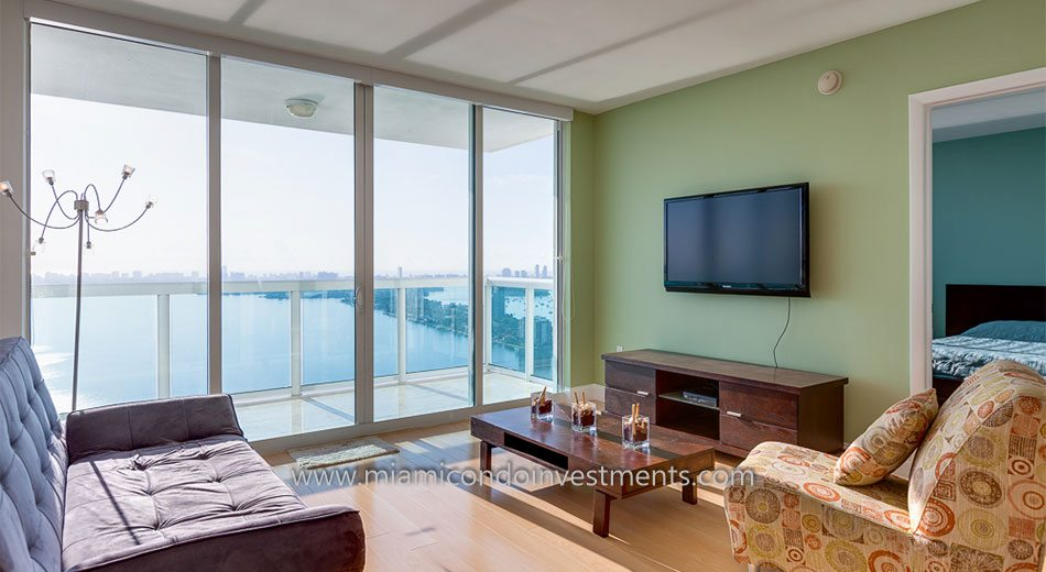 1800 Club condo in Miami