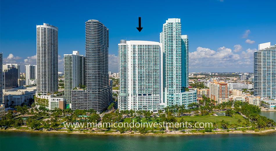 1800 Club condominiums