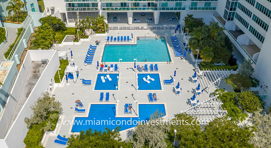 1800 Club pool deck