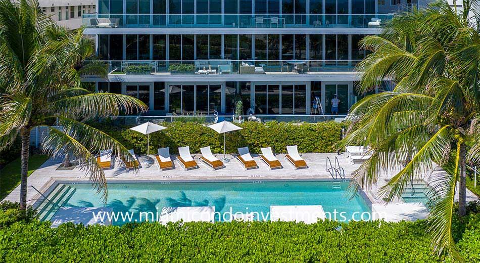 321 Ocean swimming pool
