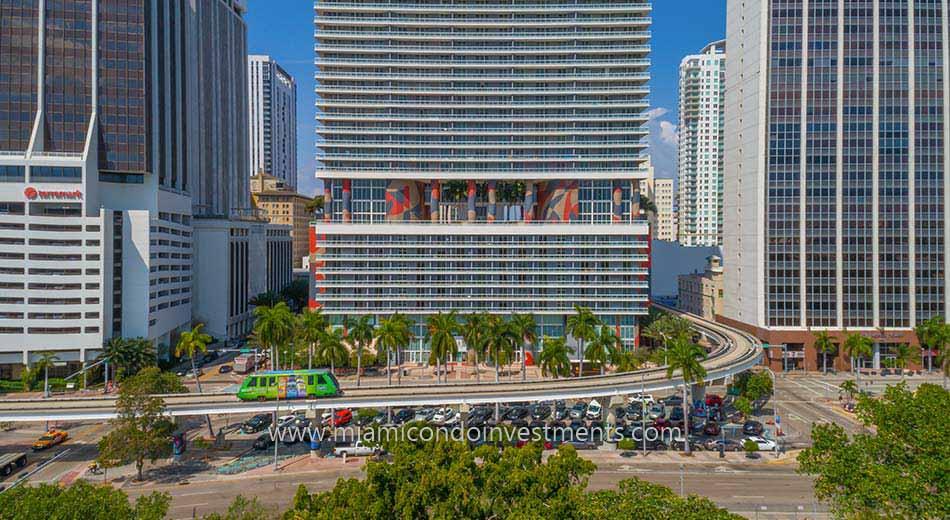 50 Biscayne condominiums