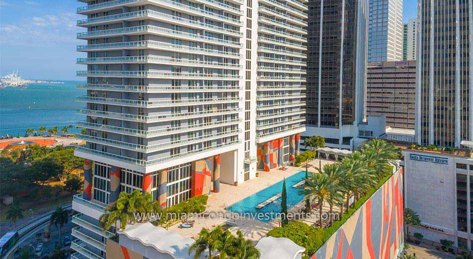 50 Biscayne swimming pool