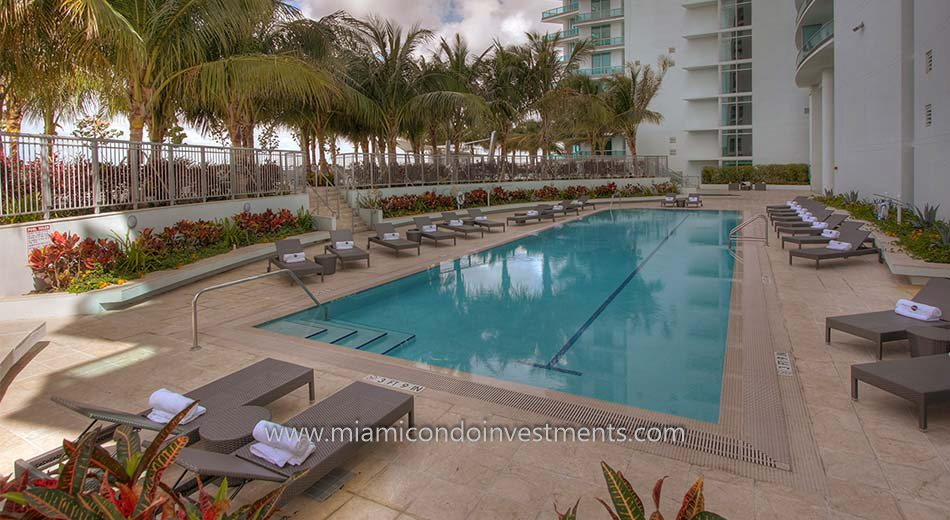 900 Biscayne Bay lap pool