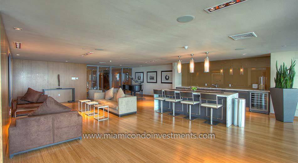 900 Biscayne Bay club room