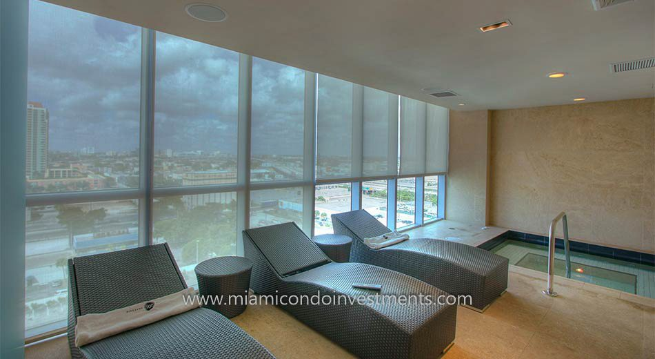 men's spa at 900 Biscayne Bay
