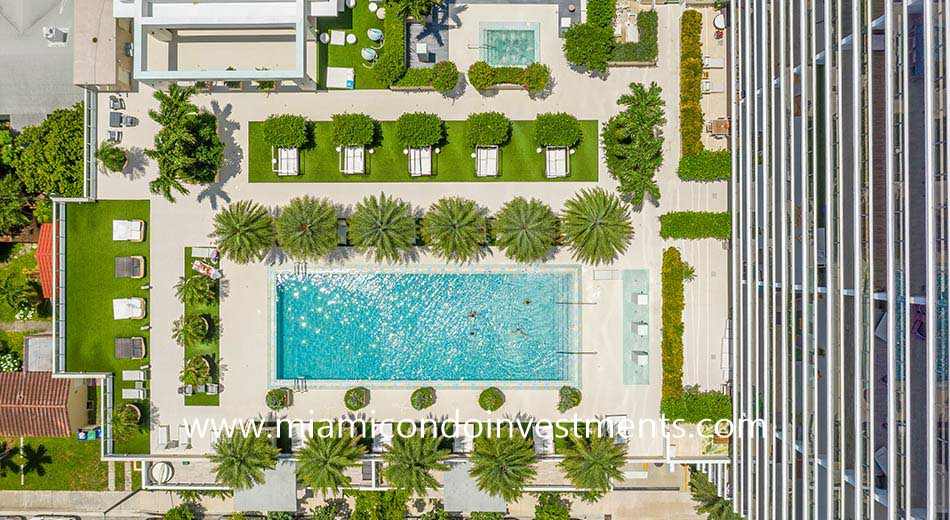 aerial photo of Bay House pool deck