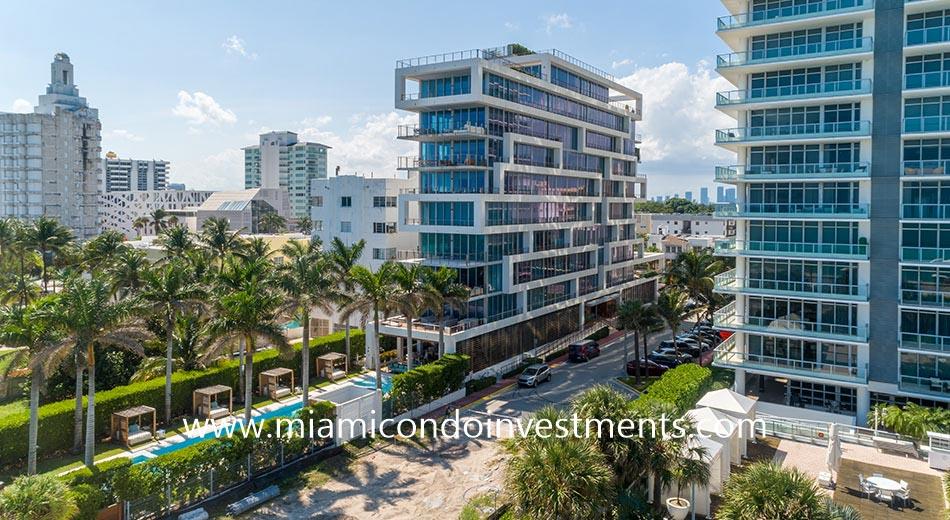 Beach House 8 condominium