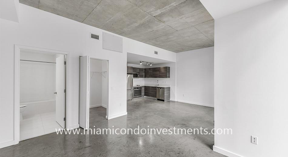 Centro condominium Miami
