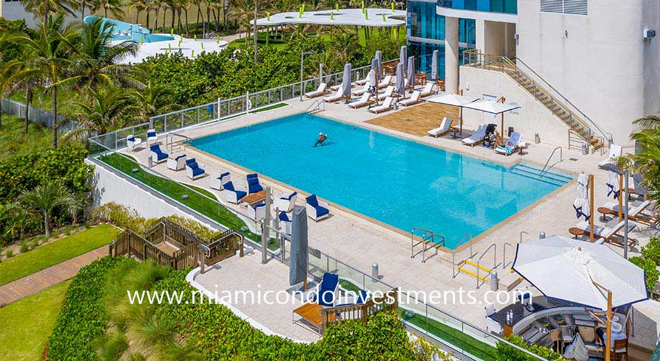 Chateau Beach pool deck
