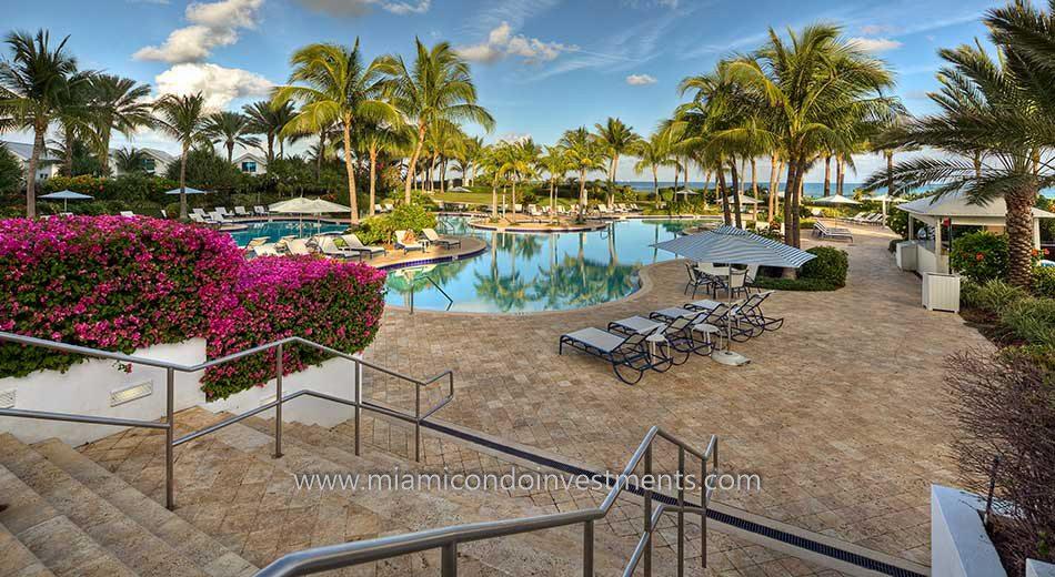 Continuum South Beach pool deck
