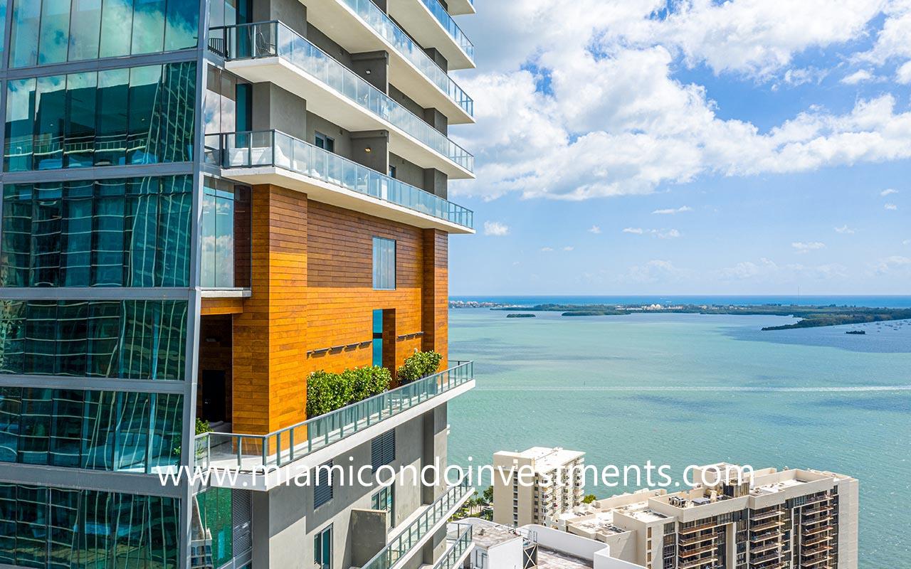 Echo Brickell amenities deck