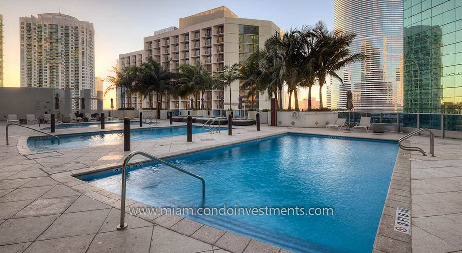 epic miami pool 2 - The Epic Residences Hotel