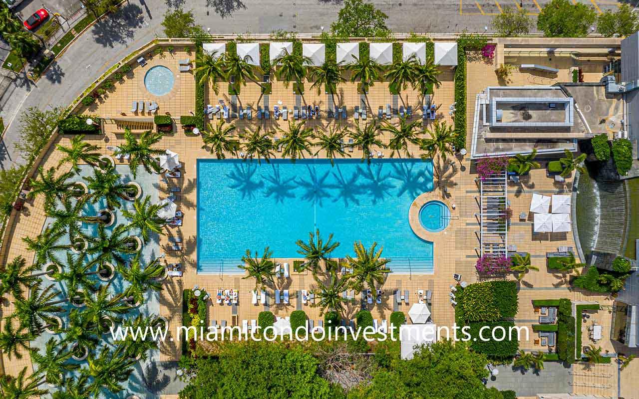Four Seasons hotel pool deck