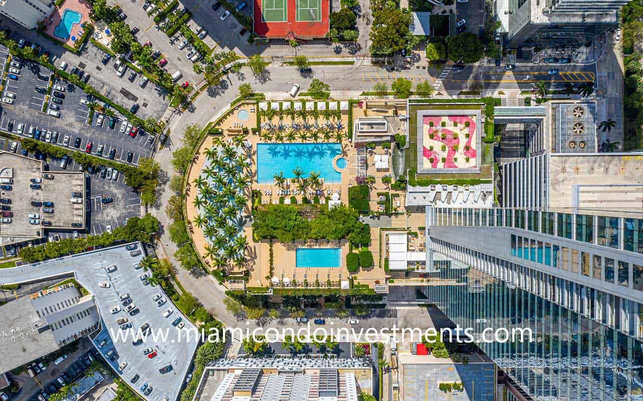 Four Seasons Miami pool deck aerial photo