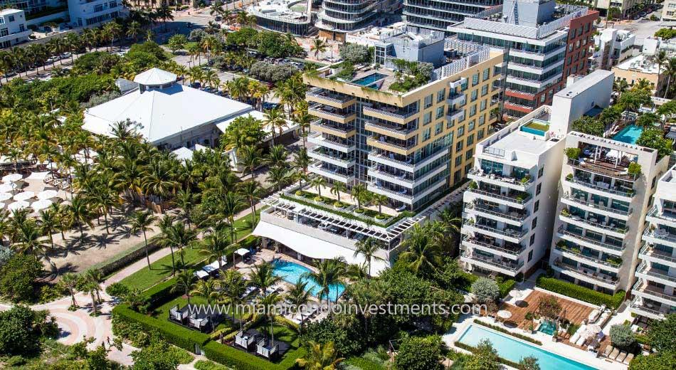 Hilton Bentley Miami Beach pool