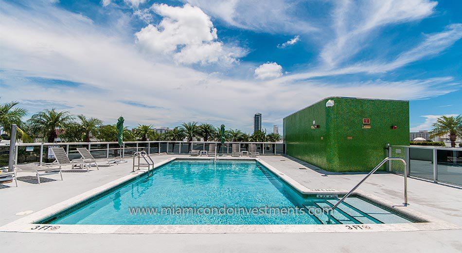 Meridian Lofts condos pool