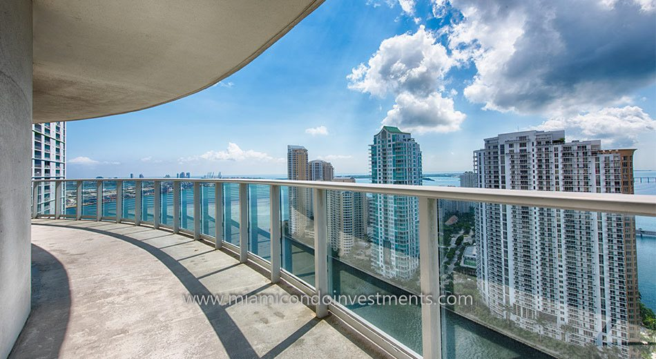 Met 1 condos miami downtown