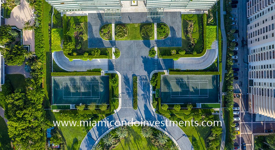 aerial view of the Oceana Bal Harbour tennis courts