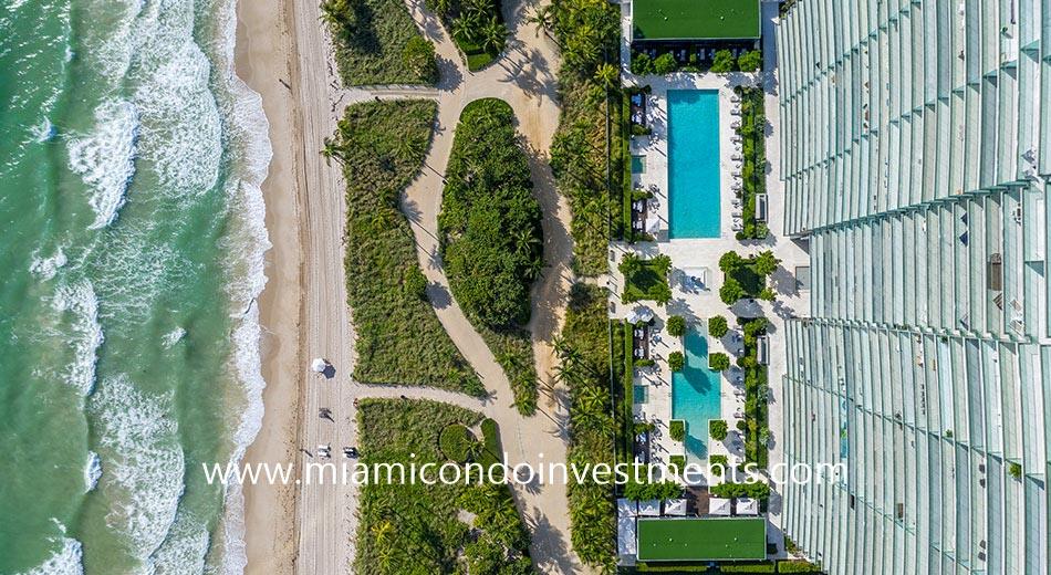 aerial view of the Oceana Bal Harbour pools