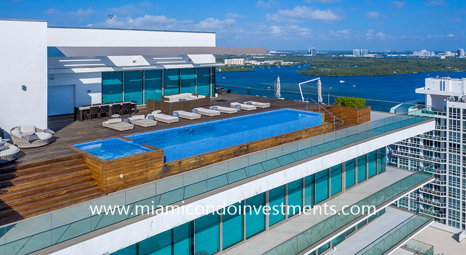 penthouse rooftop pool at Oceana Bal Harbour