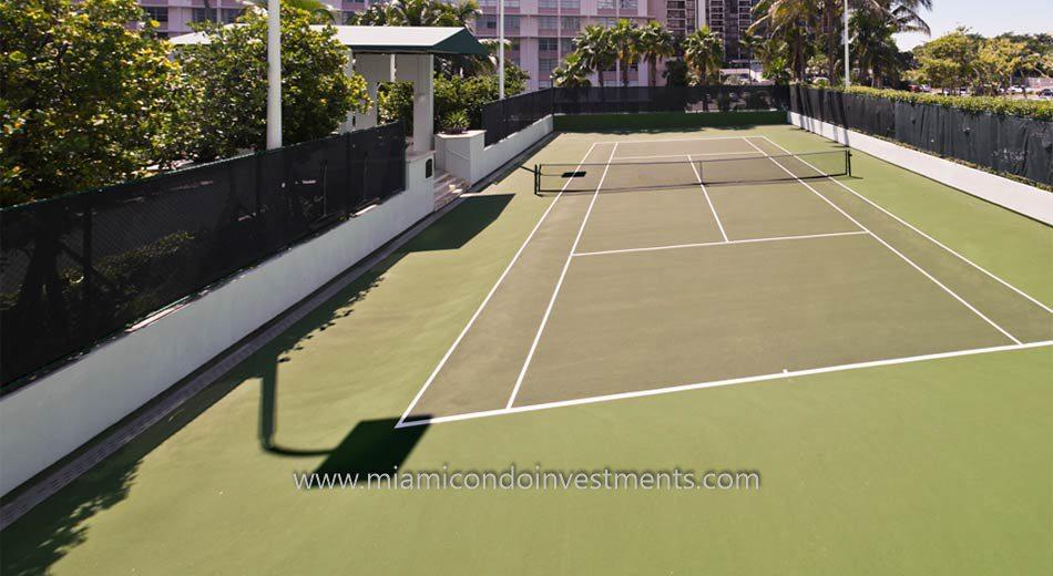 miami condos brickell tennis courts
