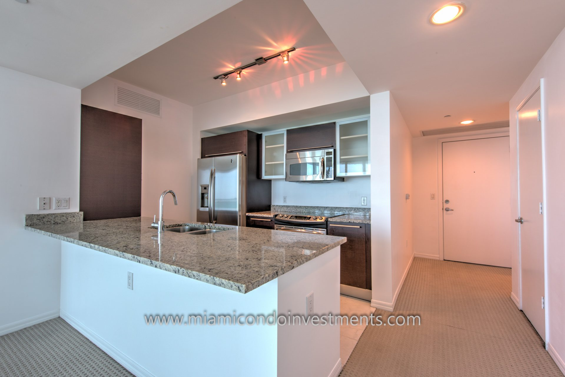 The Plaza on Brickell east tower condo kitchen