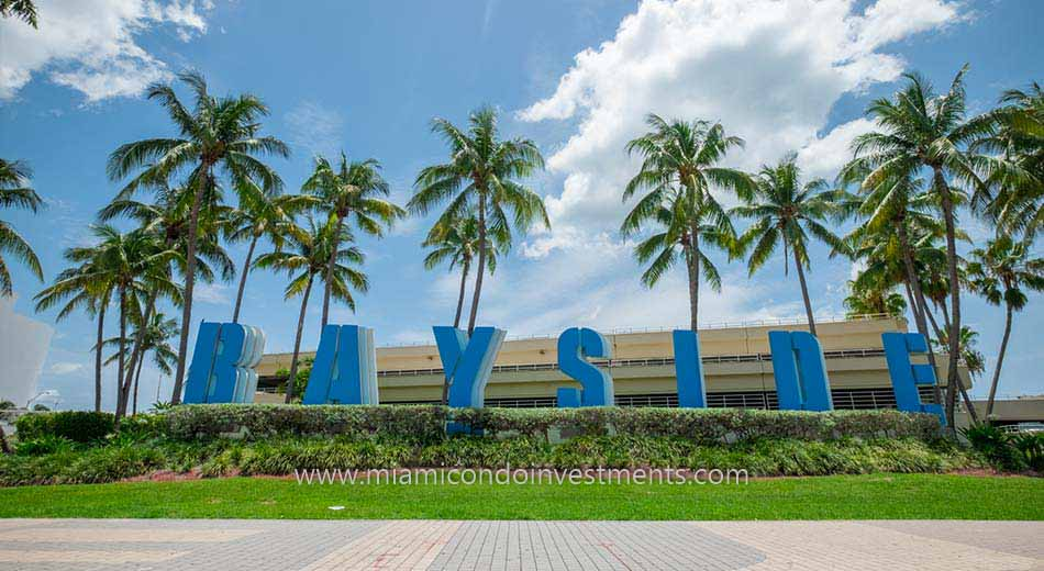 Bayside Marketplace in Downtown Miami