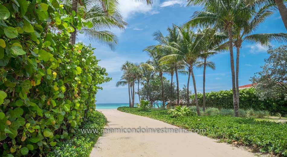 Sunny Isles Beach walkway