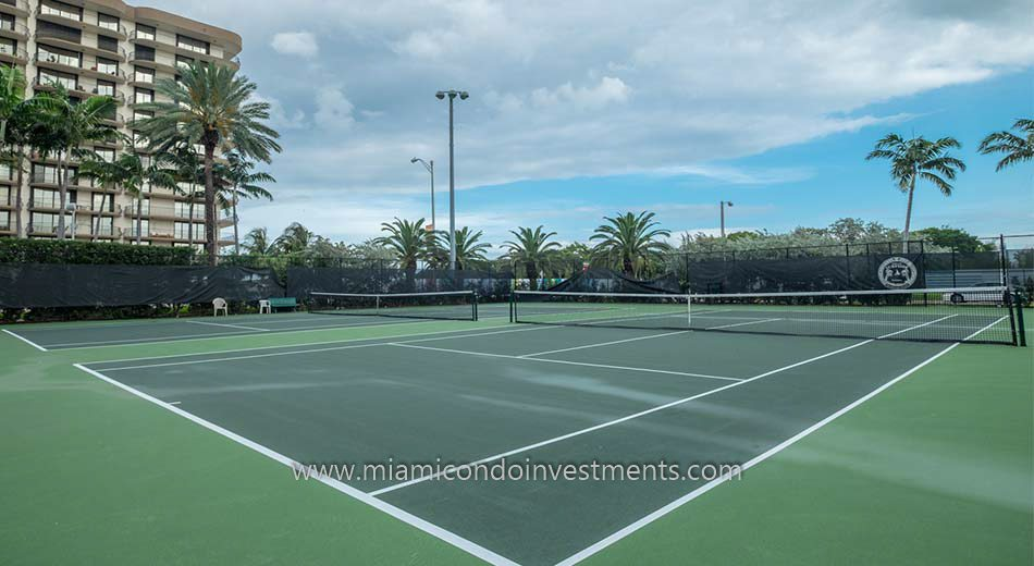 tennis courts in Surfside Florida