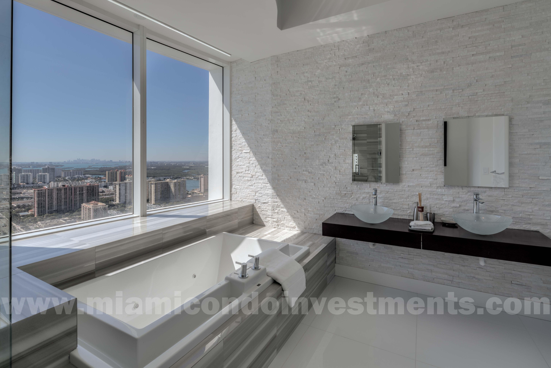 penthouse master bathroom