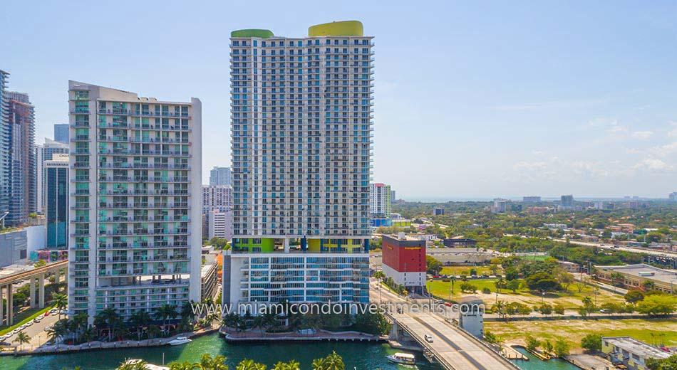 Latitude on the River condominiums