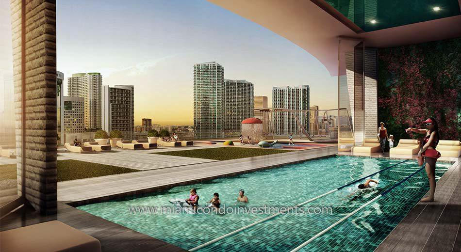 1010 Brickell swimming pool