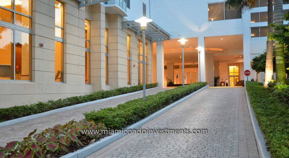 entrance to 1060 Brickell condos