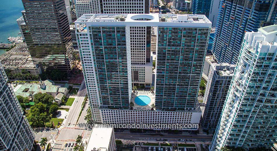 aerial view of 500 Brickell west tower condos