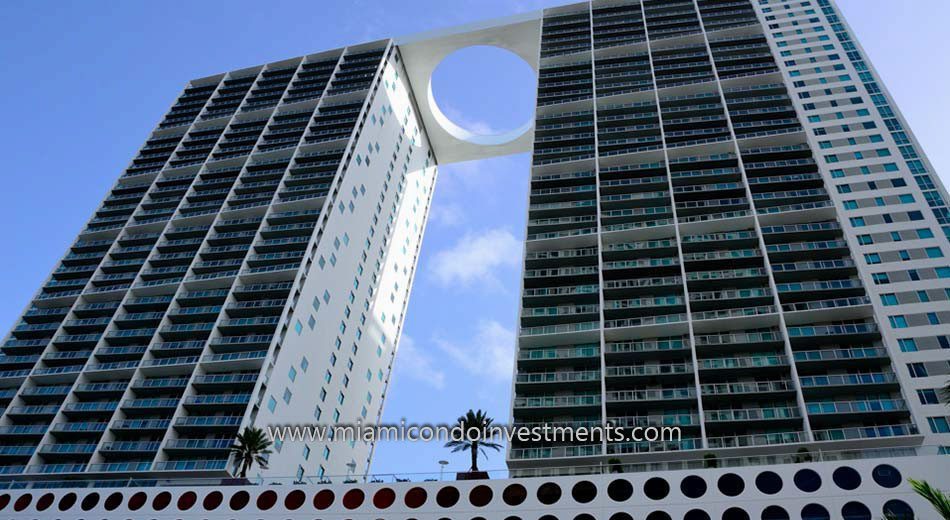 500 Brickell west condos