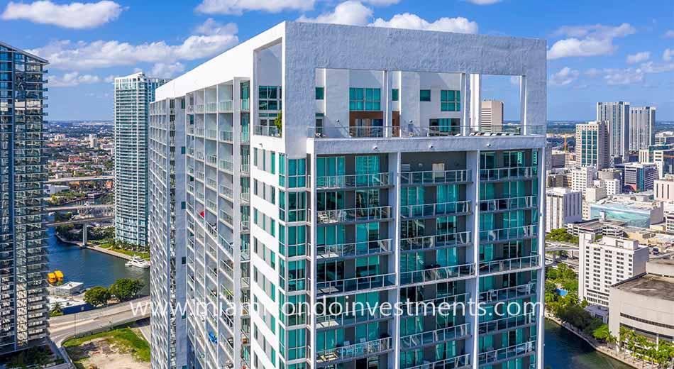 500 Brickell East condominiums