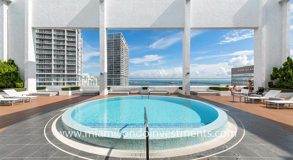 500 Brickell rooftop pool