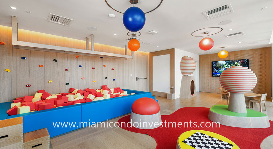 Brickell Flatiron children's playroom