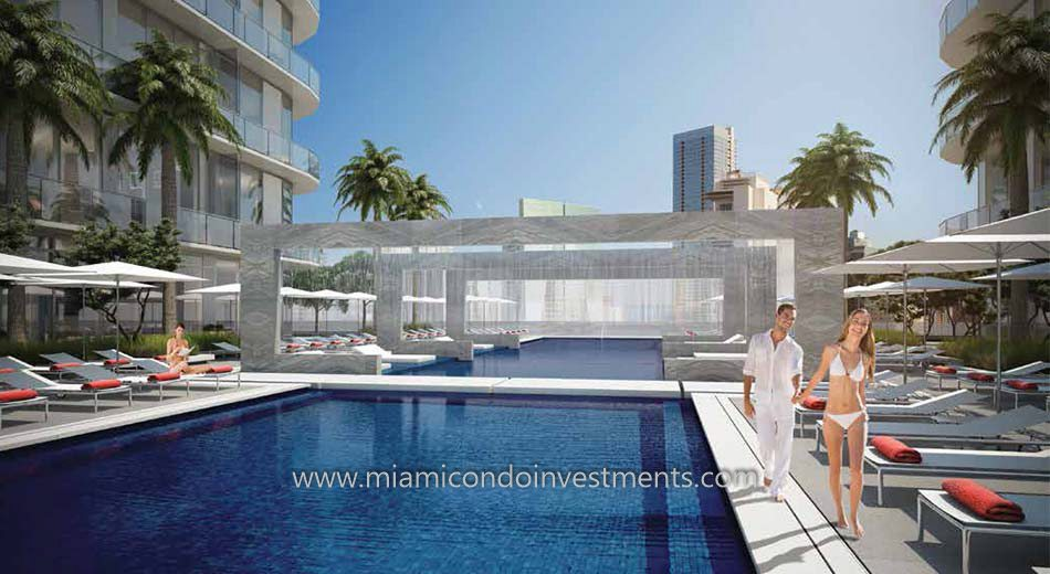 Brickell Heights East swimming pool