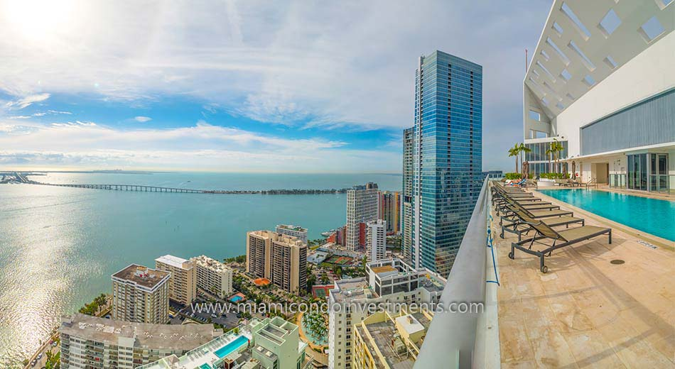 views from BrickellHouse rooftop sundeck