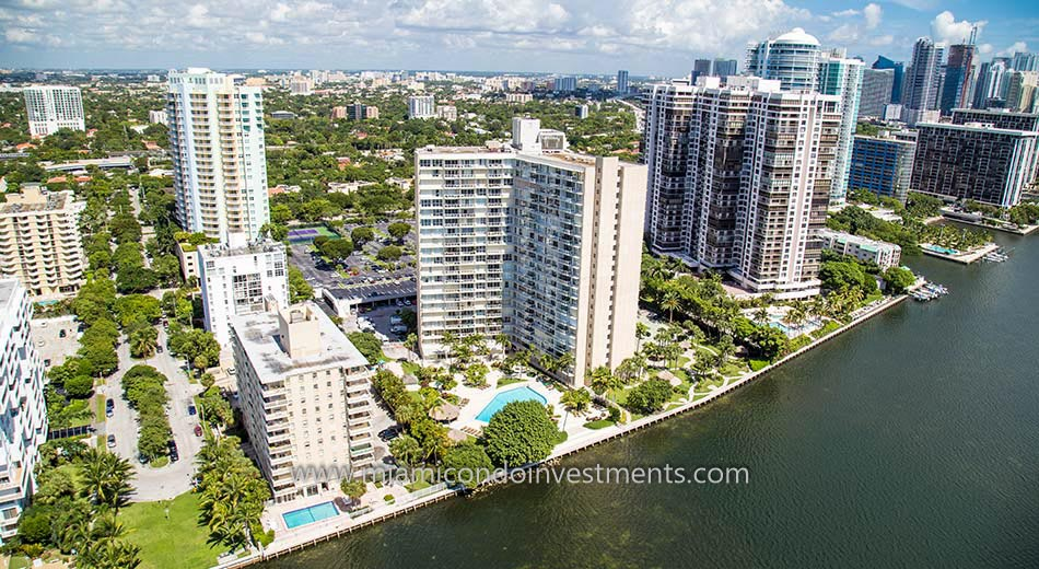 Brickell Townhouse aerial