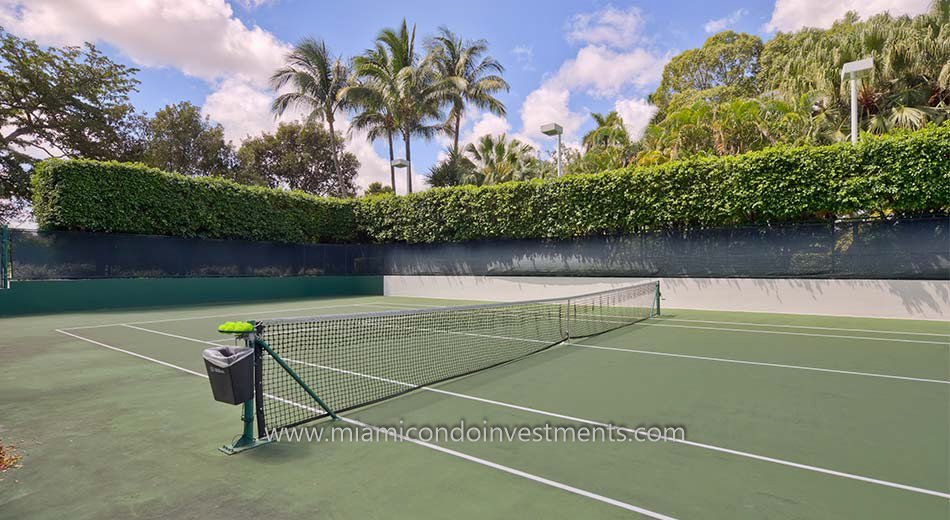 tennis court at Bristol Tower condos